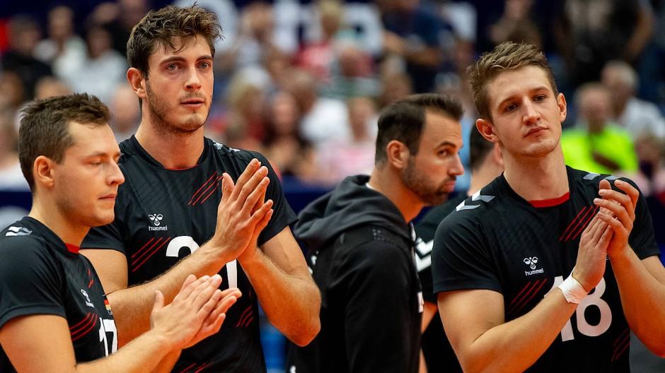 Gar nicht mehr so jung und vor allem nicht wild: Deutsche Volleyballer wirken im EM-Viertelfinale gehemmt.