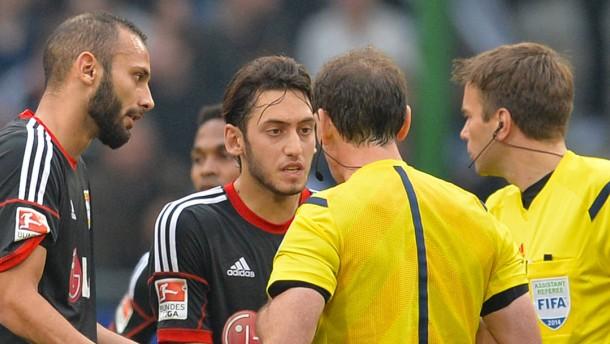 Leverkusen wütend nach Treibjagd beim HSV