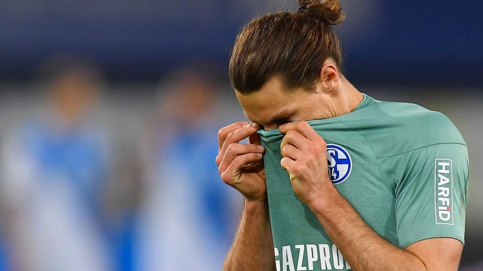 Nächste Niederlage: Benjamin Stambouli und der FC Schalke 04 sind nicht mehr zu retten.