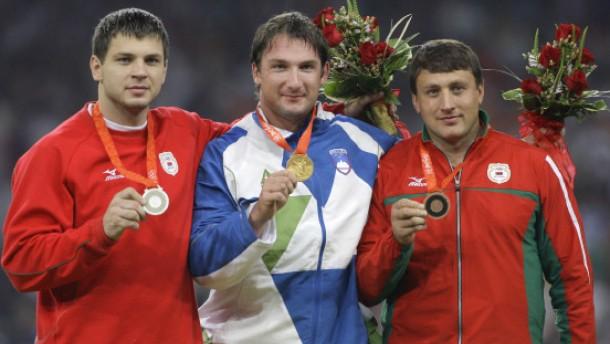 IOC suspendiert drei Dopingsünder von Peking