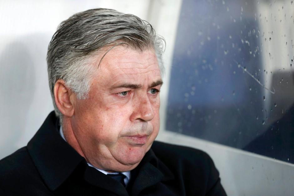 Trainer Carlo Ancelotti hält den Klub sportlich auf Kurs