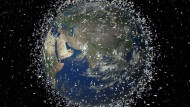Aus dem Kreislauf geflogen: Weltraumschrott schwirrt in der Erdumlaufbahn umher (Simulation der Weltraumbehörde Esa)