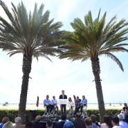 Verkündung unter Palmen: Bürgermeister Eric Garcetti freut sich schon jetzt auf die Spiele