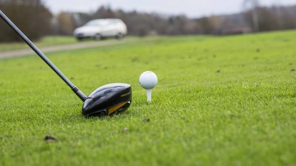 Tennis und Golf wollen wieder ab- und aufschlagen
