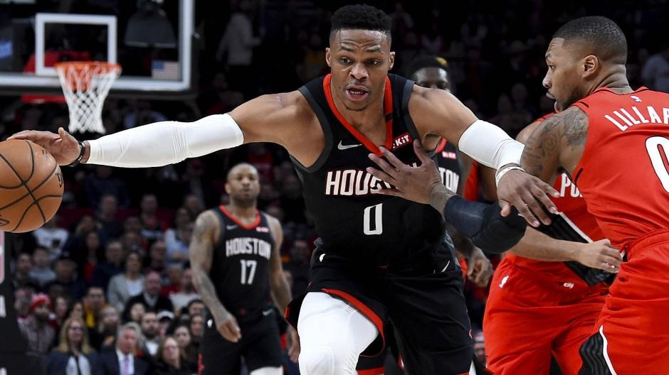 In Quarantäne: Russell Westbrook (links, hier im Januar) will eigentlich mit seinem Team die NBA-Saison weiterspielen.