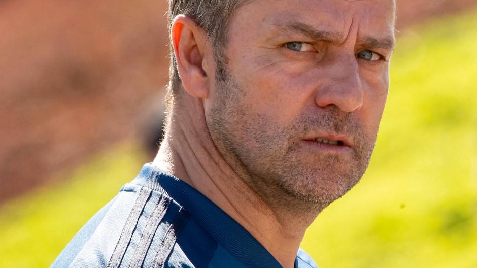 Trainer Hansi Flick schärfte sein Profil im Trainingslager in Qatar.