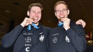Männer mit Biss: Max Hartung (l) und Benedikt Wagner gewinnen gemeinsam