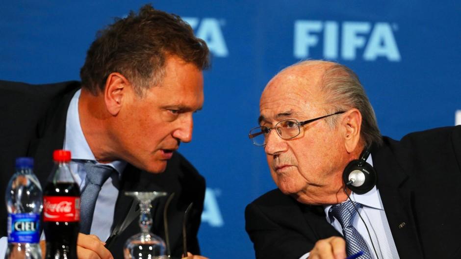 Jerome Valcke (links) war Generalsekretär bei der Fifa unter Joseph Blatter.