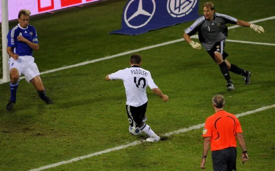 warum spielt podolski für deutschland