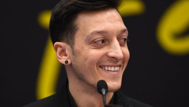 """""""Er wird der Welt beweisen, wer Mesut Özil ist"""""""