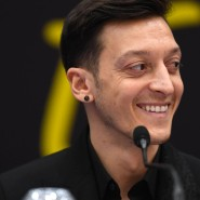 """""""Ich bin sehr aufgeregt und glücklich"""": Mesut Özil bei der Vorstellung bei Fenerbahce Istanbul am Mittwoch"""