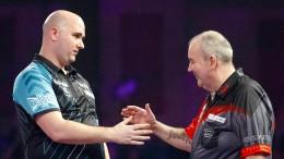 Darts-Legende Taylor geht mit einer Niederlage