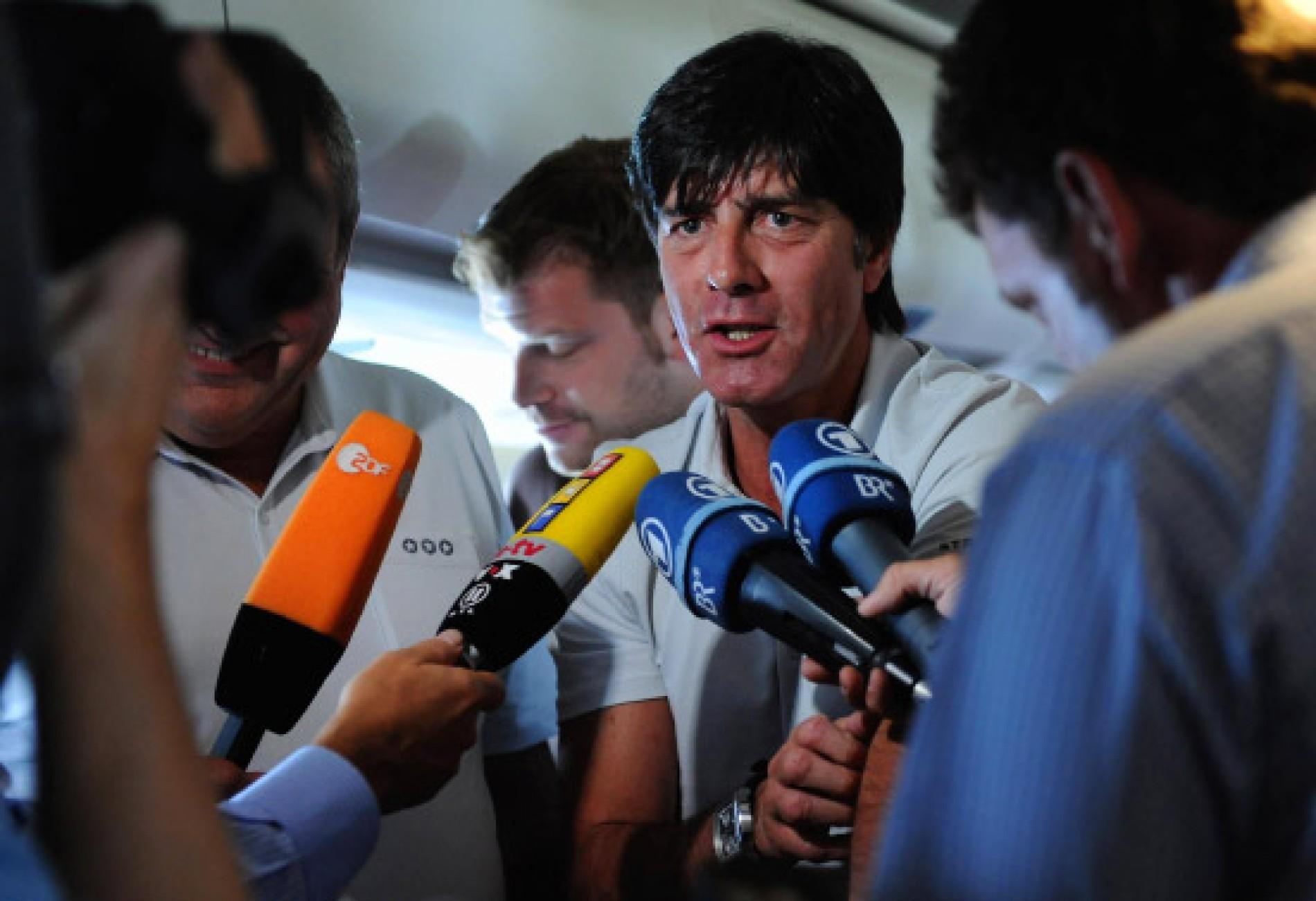 Fussball Nationalmannschaft Ernstfall In Aserbaidschan Fussball Faz