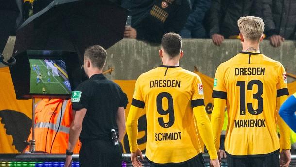 Dresden legt Protest ein