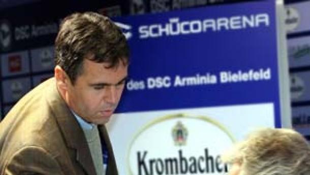 Präsident Overath entläßt Trainer Rapolder