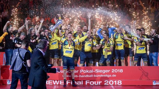 Rhein-Neckar Löwen besiegen den Pokalfluch