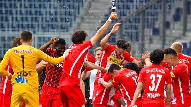 Salzburg zum siebten Mal in Serie Meister