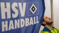 Wie lange weht die Fahne noch? Der HSV Handball ist insolvent, Pascal Hens ist geschockt