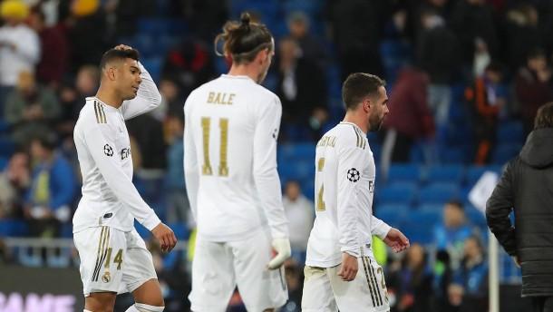 Spanische Liga setzt Spielbetrieb aus