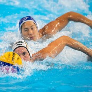 Synchronschwimmen mit Ball: Deutschlands Julian Real (vorne) vor Kenta Araki