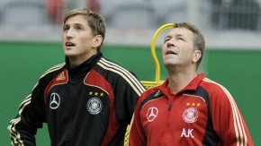 Bundestorwarttrainer Andreas Köpke nimmt Adler wieder unter seine Fittiche