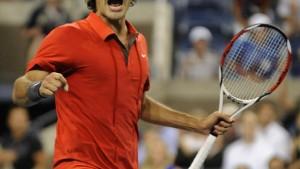 Federer siegt nach hartem Kampf