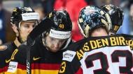 Deutsche Niedergeschlagenheit auf dem Eis nach dem 0:10 gegen Kanada