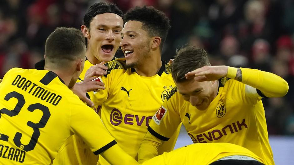 Klare Sache in Mainz: Dortmund freut sich über viele Tore.