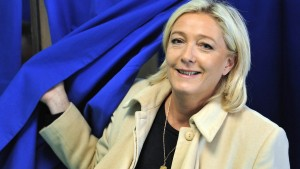 Marine Le Pen diktiert Sarkozys Agenda