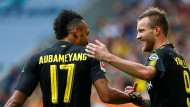 Jarmolenko (rechts) trifft für Dortmund, Aubameyang verschießt einen Elfmeter.