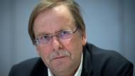 Amateur-Vertreter: Vizepräsident Koch sagt, er kämpfe gegen die Spaltung im DFB.