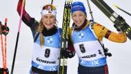 Glücklich mit dem dritten Platz: Franziska Preuß (rechts) neben Ingrid Landmark Tandrevold (Mitte) und Dsinara Alimbekawa
