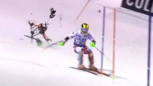 Skistar Hirscher fast vonKamera-Drohne getroffen