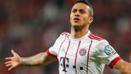 Unter Guardiola wollte es nicht recht klappen, nun ist Thiago aber sehr wertvoll für den FC Bayern.