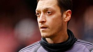 Das machen Özil und andere Stars in der Isolation
