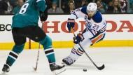 Kein guter Tag für Leon Draisaitl (rechts) in den NHL-Playoffs.