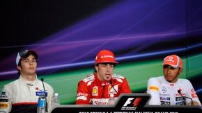Gruppenbild mit Neuling: Perez (links) mit den Weltmeistern Fernando Alonso (Mitte) und Lewis Hamilt