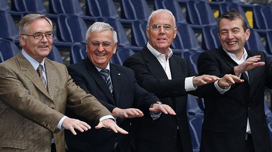 Die Gesichter der WM 2006: Horst R. Schmidt, Theo Zwanziger, Franz Beckenbauer und Wolfgang Niersbach (von links).