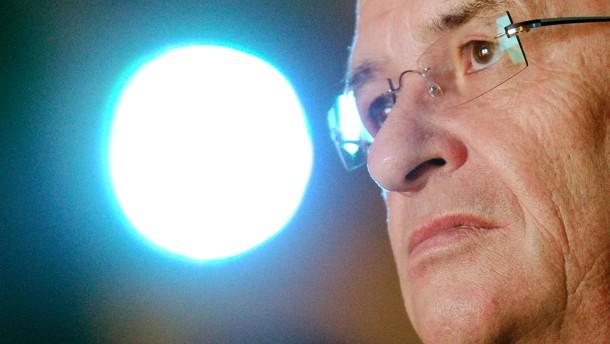 Von 17 auf 14,6 Millionen Euro: Martin Winterkorn verdient 2012 weniger als 2011