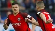 Frankfurter Siegtorschütze: Jovic (links) sorgt für Eintracht-Jubel.