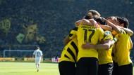 Auch nach Klopp muss das Fußball-Leben weiter gehen: Dortmund schlägt Paderborn