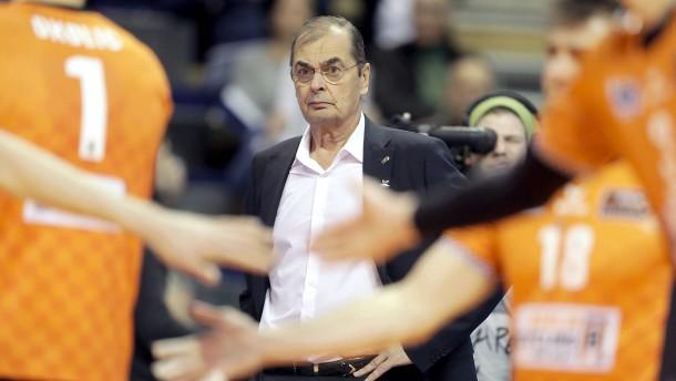 Moculescu trifft auf seine Vergangenheit