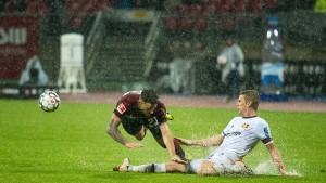 Leverkusen hadert nach Wasserschlacht