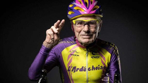 Das bunte Leben des berühmtesten Weltrekord-Rentners