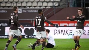 HSV stolpert, St. Pauli steht auf
