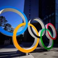 Japan muss warten: Die olympischen Ringe vor dem Gebäude des Organisationskomitees der Olympischen Spiele von Tokio.