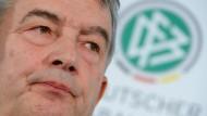 Der DFB verschweigt weiter die Bezüge von Präsident Wolfgang Niersbach