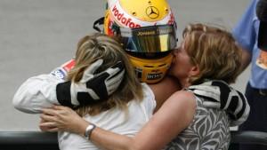Kimi lächelt, Lewis schweigt