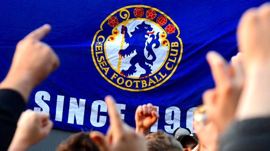 Proteste beim FC Chelsea: Der Klub zieht sich aus der geplanten Fußball-Superliga zurück.