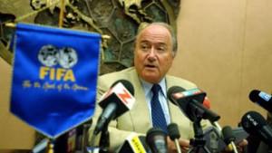 Blatter durch explosive Unterlagen unter Druck